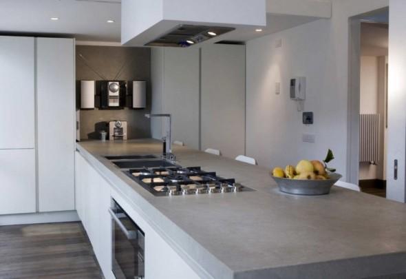 Bright Multi-Level Apartment in Rome
