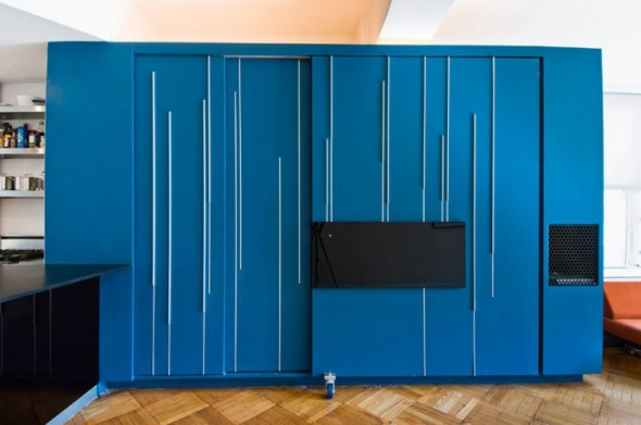 Clever Unfolding Apartment by Normal Projects