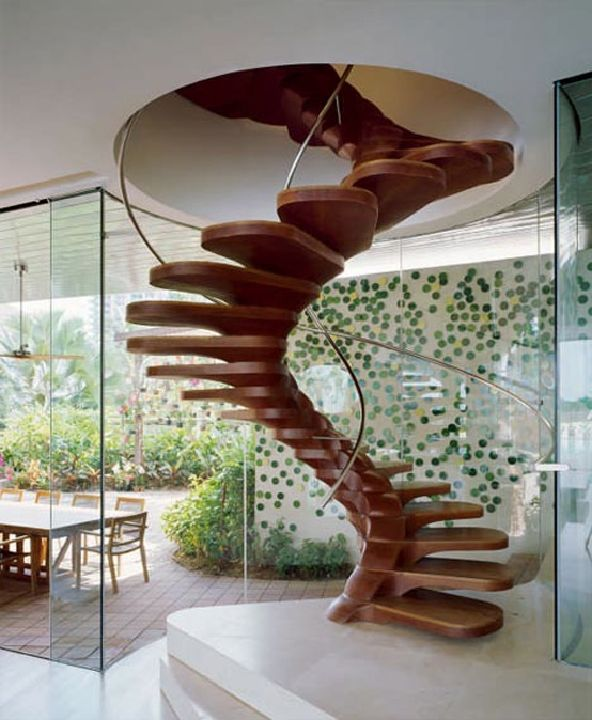 Unique wooden spiral staircase decorating ideas