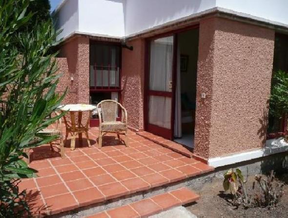 apartment-patio-area