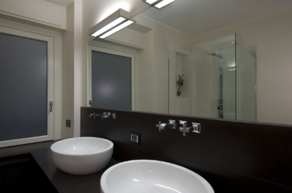 bath-Trastevere Apartment by Carola Vannini