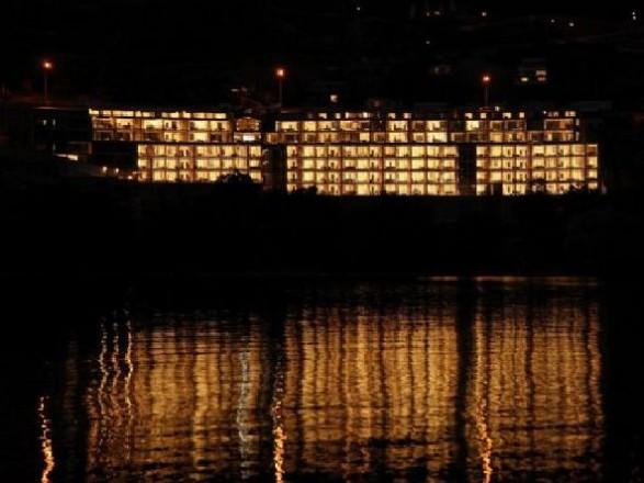 luxury apartment design lake view