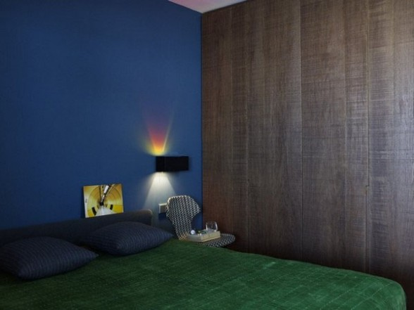 Simple and friendly, the crib looks perfectly suited for a young couple, aparment