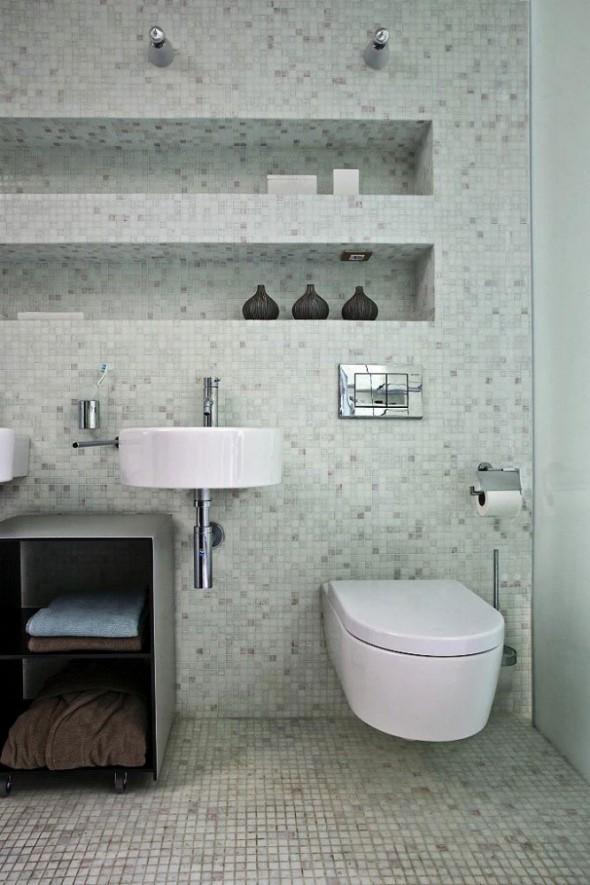 Interior Wastafel and Toilet at Apartment