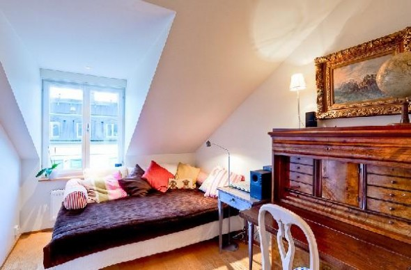 Colorful penthouse in Stockholm-bedroom1