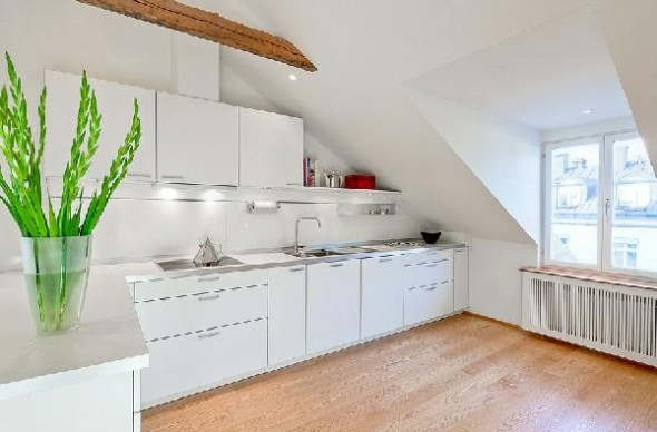 Colorful penthouse in Stockholm-kitchen1