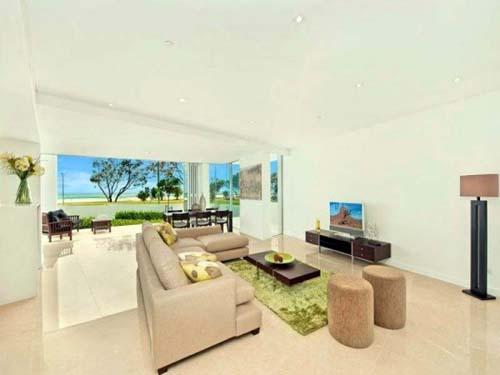 Comfort Marble Interior Beachside Apartment